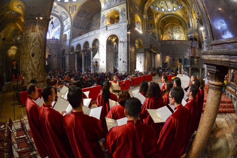 Marouska Attard directs the Schola Cantorum Jubilate at the Patriarchal Cathedral Basilica of Saint Mark - Photo by CVC